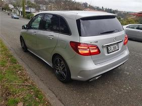 Mercedes-Benz B250 AMG Line + Night Package